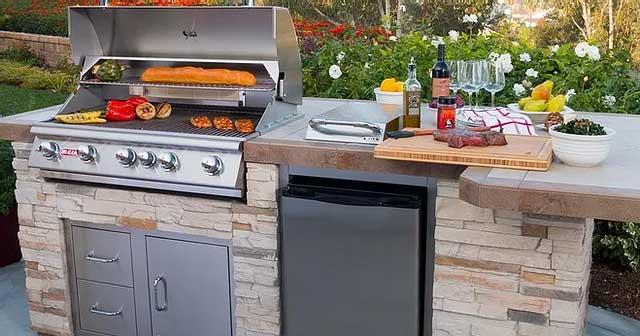Bull BBQ āra virtuves konfigurācijas un materiāli